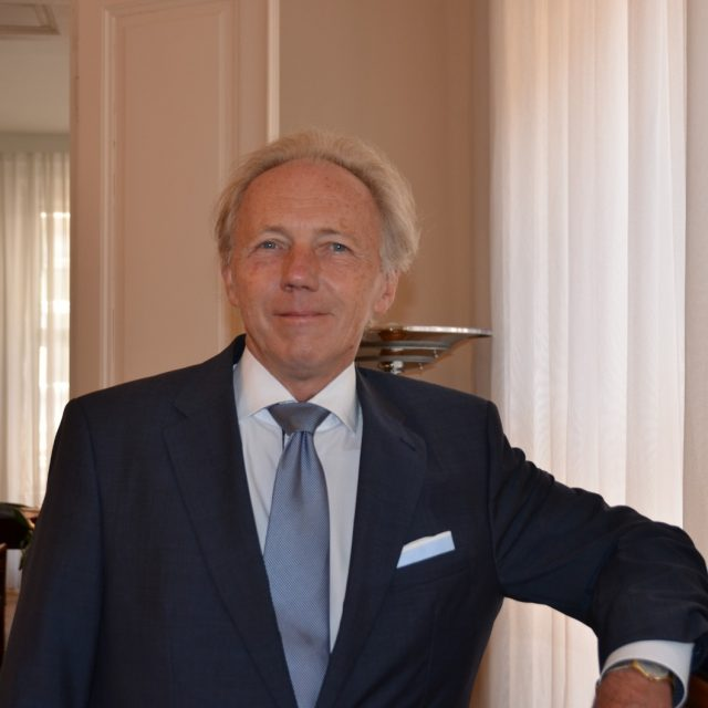 Dr. Michael Brunner